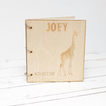 gepersonaliseerd babyboek mijn eerste jaar giraffe