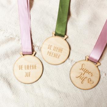 houten medaille meester/juf kleingrootgeluk